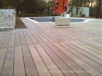 Montage et pose terrasse et am nagements bois de piscine for Construction piscine 58