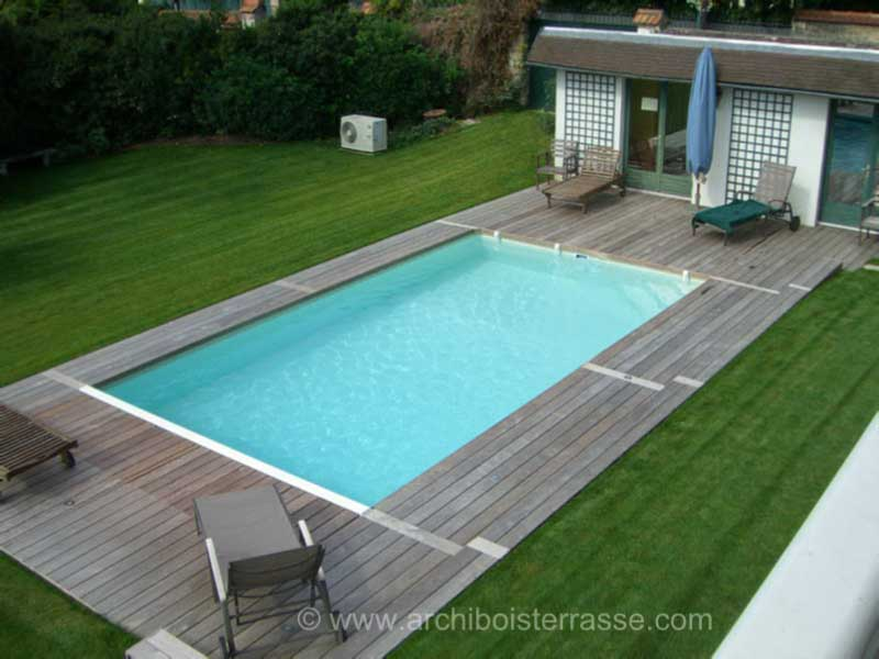 Terrasse bois et tour de piscines clairage led yvelines 78 for Entourage piscine design