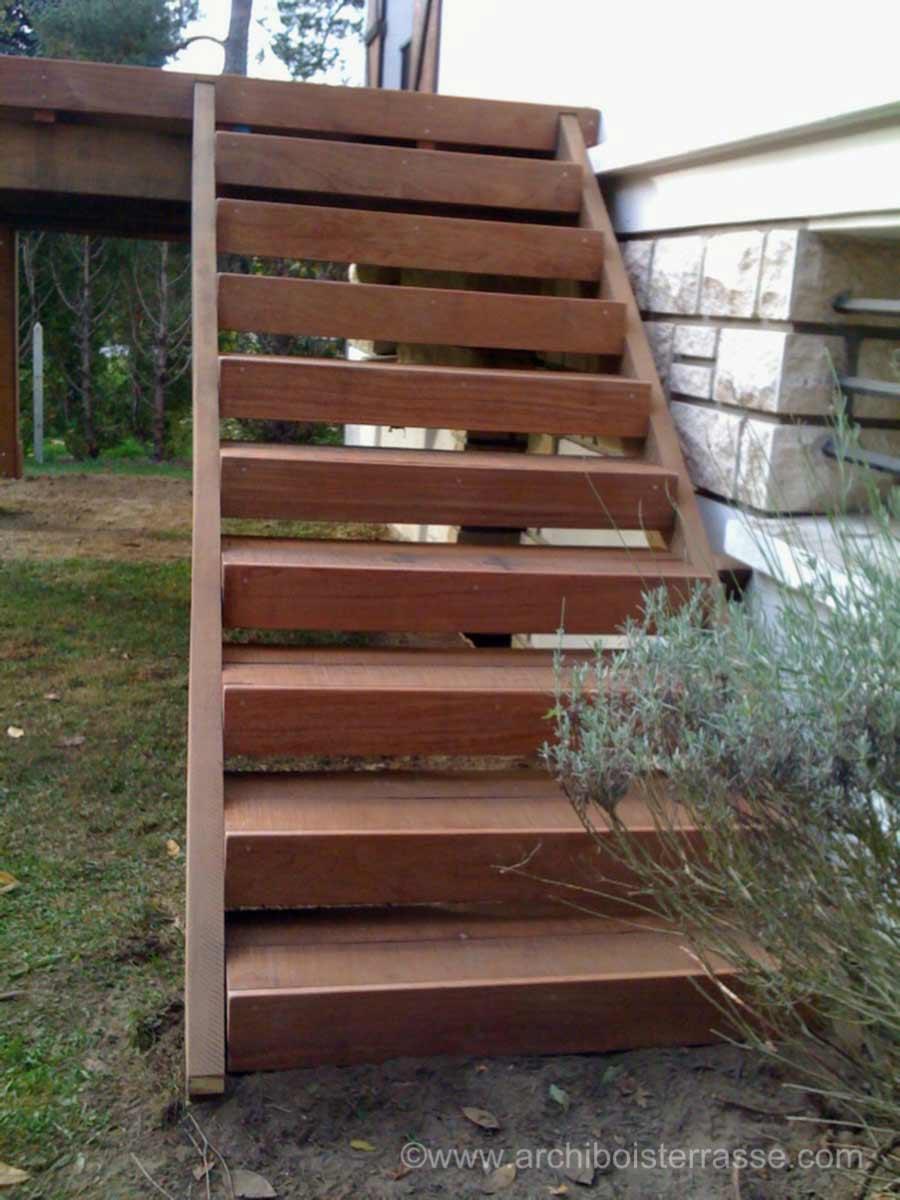 terrasse sur pilotis poteau ou suspendue agrandir la maison. Black Bedroom Furniture Sets. Home Design Ideas