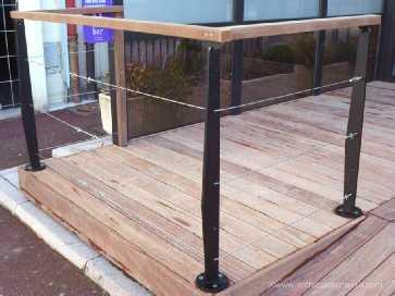 rambarde balustrade rampe d 39 escalier et garde corps en bois et m tal. Black Bedroom Furniture Sets. Home Design Ideas