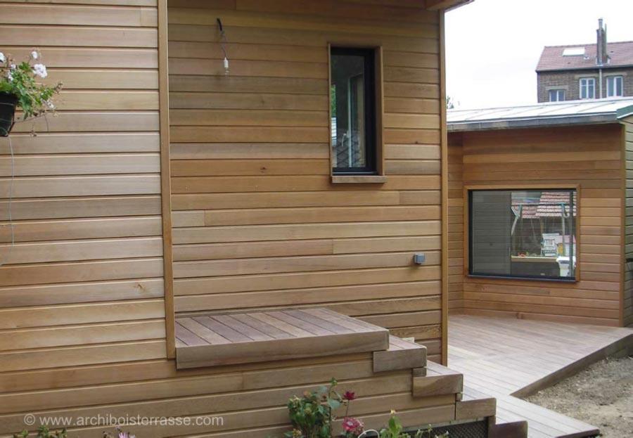 tour de piscine terrasse de maison escaliers chemin de bois. Black Bedroom Furniture Sets. Home Design Ideas