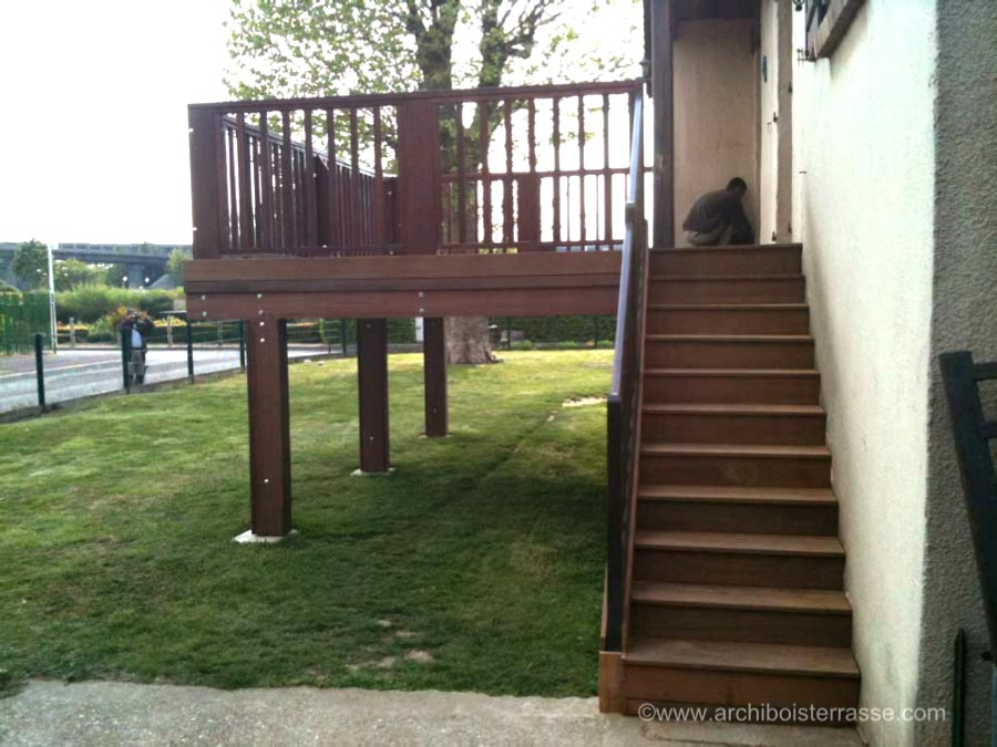 structure terrasse bois pilotis cheap nous ralisons des terrasses en bois neuves et nous. Black Bedroom Furniture Sets. Home Design Ideas