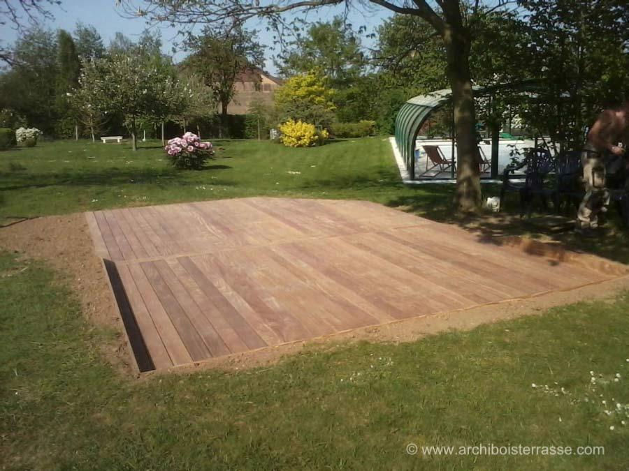 terrasse en bois sur terre latest faire une terrasse en bois il faire une terrasse en bois. Black Bedroom Furniture Sets. Home Design Ideas