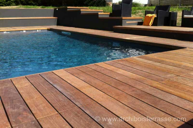 Design piscine les piscines magiline with design piscine for Piscine blue design